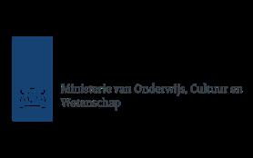 Logo Rijksoverheid met de 2 leeuwen en schild, daarnaast Ministerie van Onderwijs, Cultuur en Wetenschap